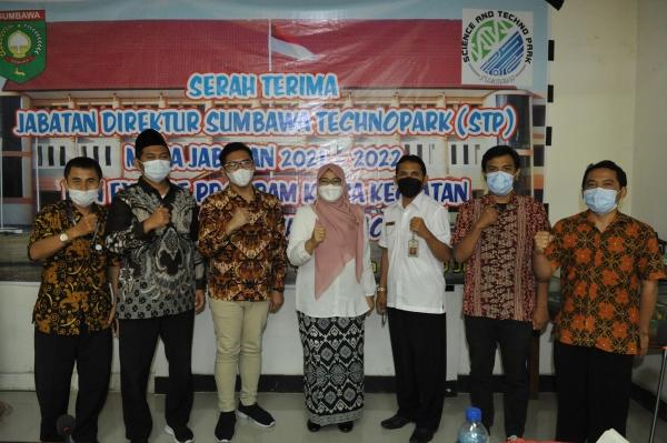 Serah Terima Jabatan Direktur Sumbawa Techno Park (STP) Kabupaten Sumbawa Masa Jabatan 2021-2022