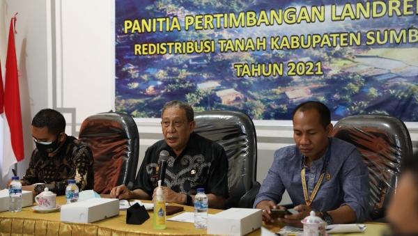 Hadiri Sidang Panitia Pertimbangan Landreform, Bupati Sumbawa Minta Peningkatan Pengawasan Kawasan Hutan